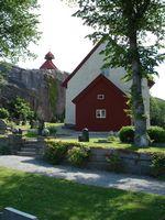 Het middeleeuwse kerkje te Svenneby.